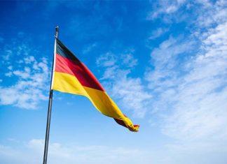 Opieka nad starszymi ludźmi w Niemczech. Czy opłaca się wyjechać?